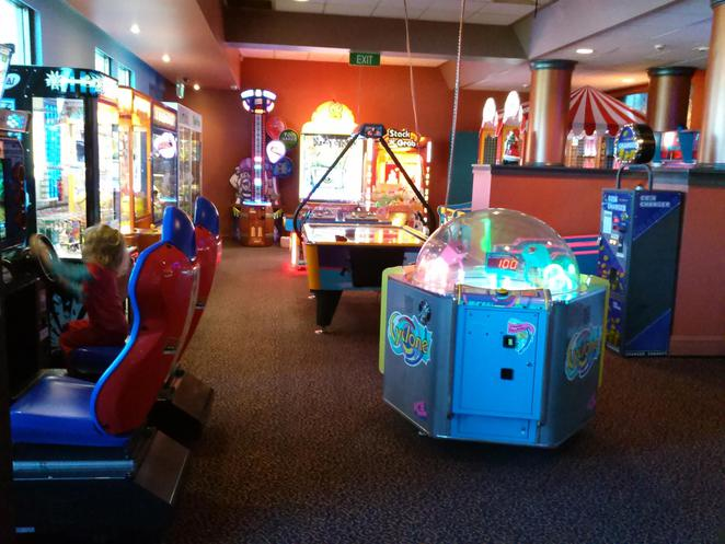 henrys restuarant, woden, southern cross club, canberra, ACT, parties, kids birthday parties,