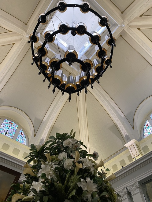 high ceiling, chandelier, dome, casino lobby