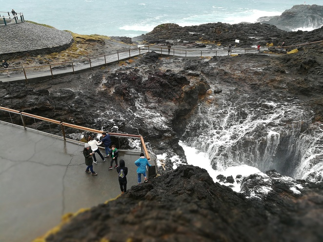 kiama blowhole, kiama, wollongong, illawarra, tourist attractions, natural, ocean, beach, things to do in kiama, holiday, family, attractions, free, blow hole, kiama,