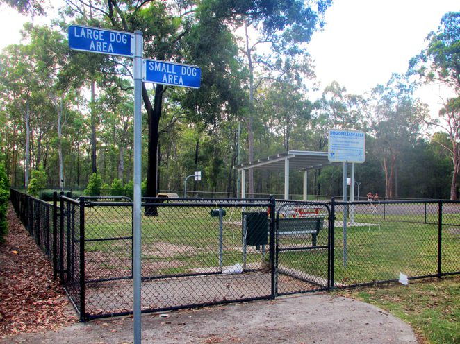 middle park, middle rd, boronia heights, dog friendly, off-leash, playground, bbq, exercise equipment