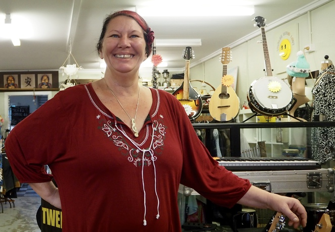 retro, collectables, music, recording, rehearsal, old wares, secondhand, second-hand, used, new, instruments, vintage, retro clothing, Murwillumbah,