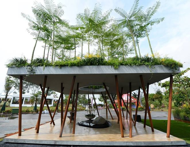 Scared Grove by Andrew Wilson & Gavin McWilliam at singapore garden festival