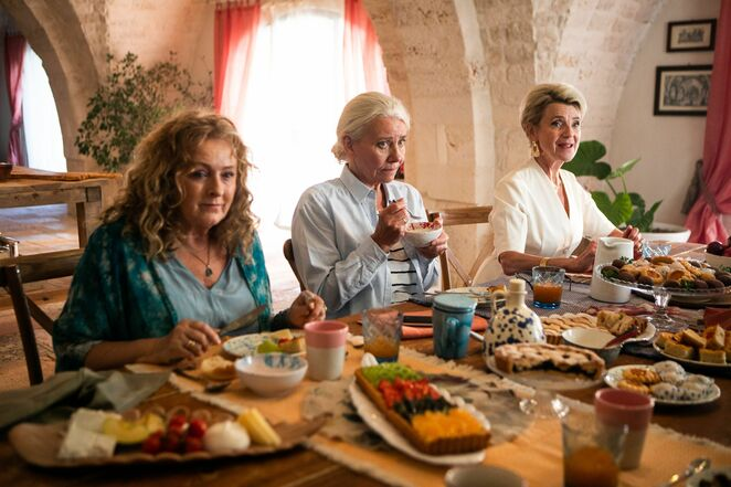 the food club 2020 film review, madklubben film review, community event, cinema, fun things to do, night life, date night, performing arts, entertainment, karoline hamm, stina ekblad, kirsten olesen, foreign film from denmark, subtitled film, lume, nepenthe film