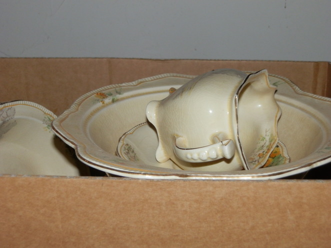 dinner set, dining, chinaware, antique, collectable, historic, history