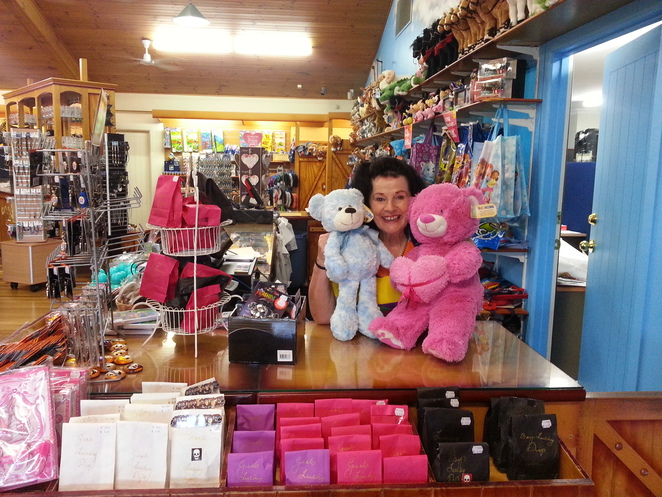 Heather, gift shop, aussie world, pal;mview, sunshine coast