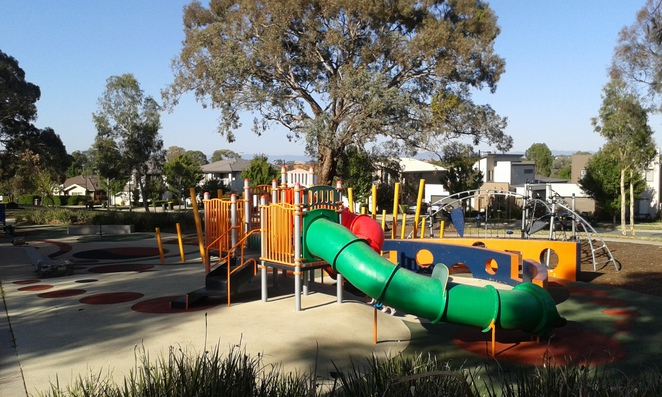 heritage park, forde, gungahlin, parks, playgrounds, canberra, ACT, best playgrounds, BBQ areas, picnics, bike paths, history in gungahlin,