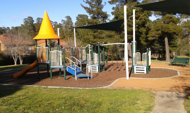 Juliea Flynne Avenue playground, Isaacs, Woden, Playgrounds, Canberra