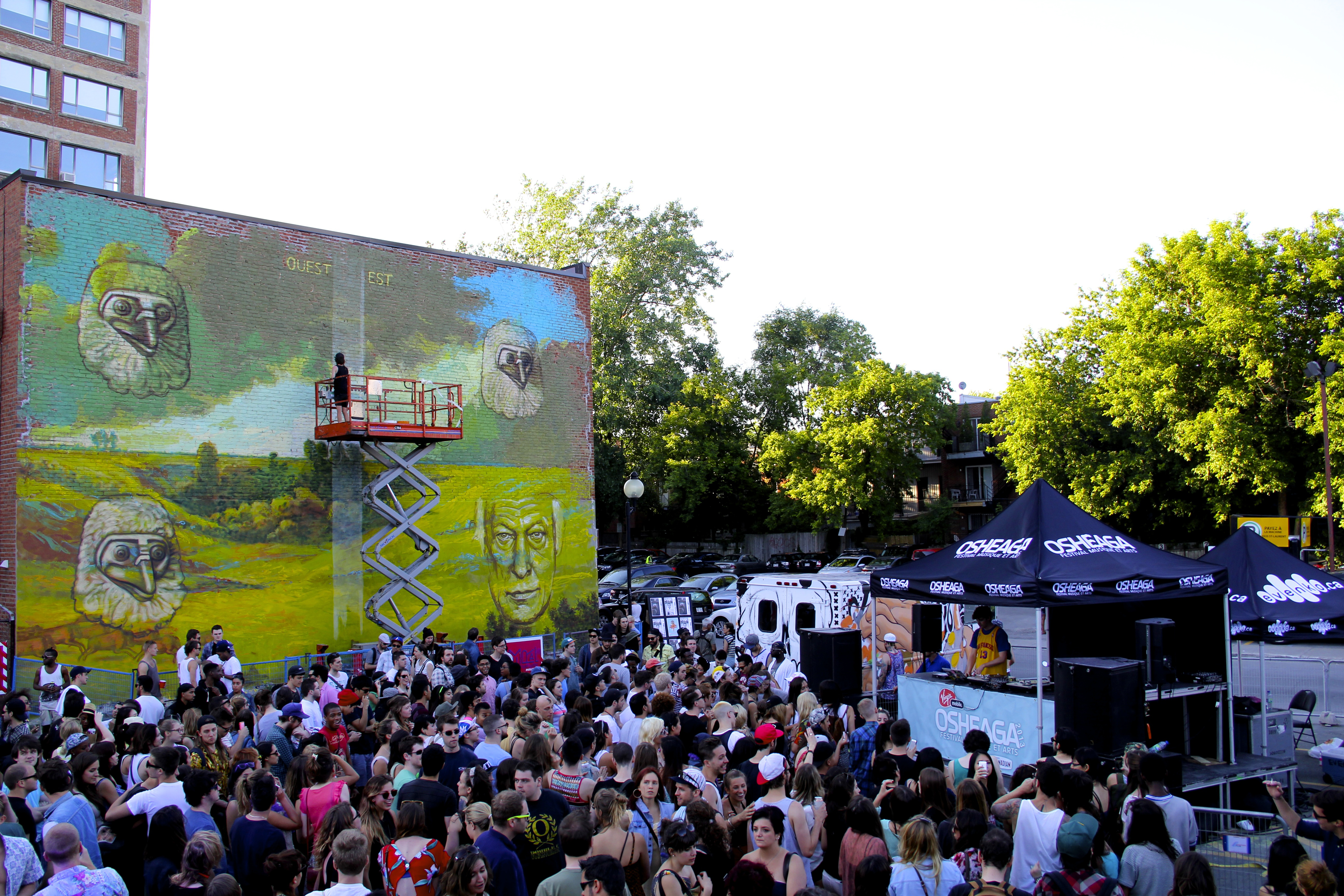 The mural international public art festival in montreal for Air climatise mural montreal