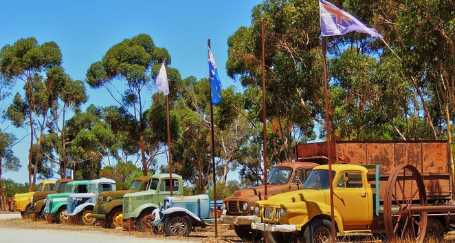 tailem town, ghost adventures, history of south australia, ghost tours, old tailem town, holiday in sa, about south australia, tourism, tailem bend, vintage trucks