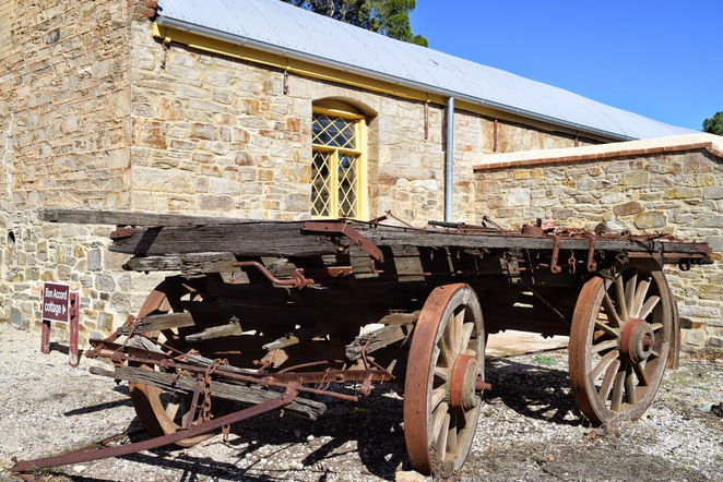 Burra Heritage Trail, Tourist Drive 16, Burra Passport Key, Burra Monster Mine, Bon Accord Hotel, Miners Dugouts, Morphett's Enginehouse, Burra Railway Station
