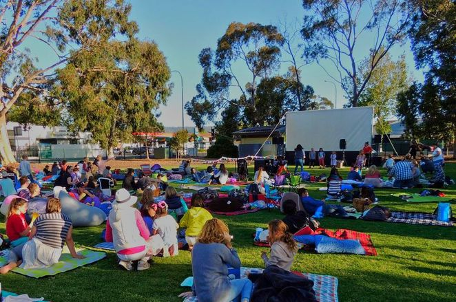free things to do, whats on in adelaide, activities for kids, fun for kids, markets in adelaide, christmas markets, fun things to do, christmas gifts, in adelaide, free outdoor movies
