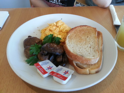 scrambled eggs, breakfast, north point cafe