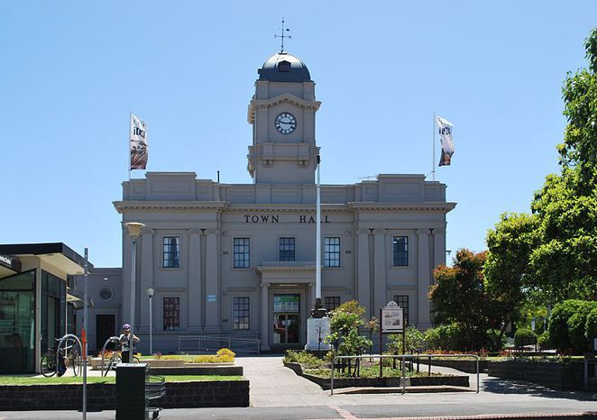 Take 2 Markets, Geelong West Town Hall, Rina Chia, pre-loved fashion, vintage, designer labels, clothes market Geelong,