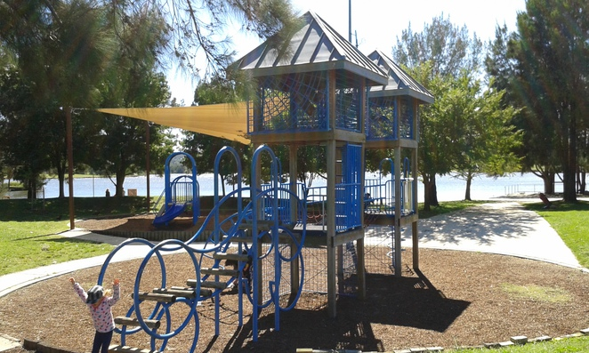 lake tuggeranong circuit, tuggeranong, lake, canberra, ACT, exercise, running, walking, prams, wheelchair friendly,