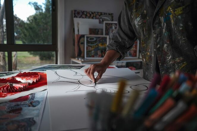 live july with artist samantha thompson 2020, community events, fun things to do, art, nillumbik arts, online art workshop, professional visual artist, repurpose kids masterpieces, printmaking a home, impressions on paper, greeting cards, wrapping paper