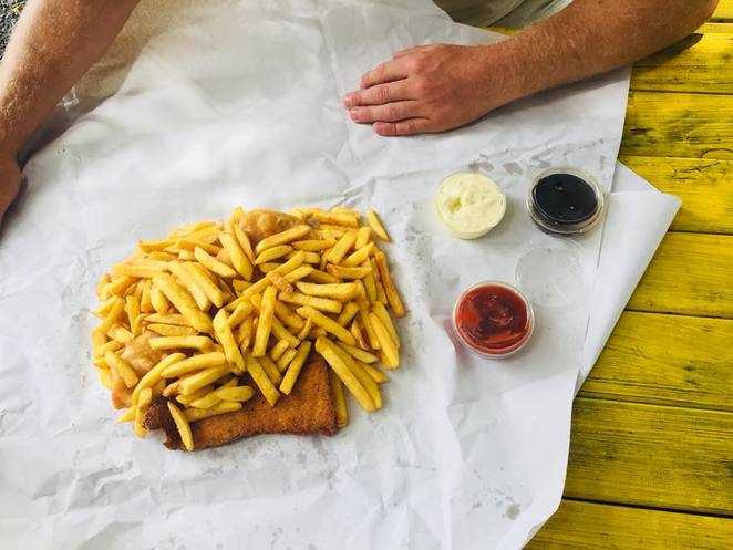 Pacific fish and chip shop, fish and chips rarotonga, famous fish and chips rarotonga, places to eat in Rarotonga, fish and chips arorangi, best fish and chips in rarotonga