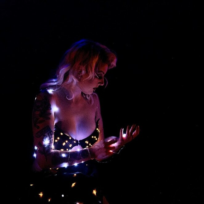 red mill revue, melbourne fringe festival 2020, community event, fun things to do, entertainment, theatre, date night, nightlife, entertainment at home, online cabaret event, red mill productions, matthew heenan, old fashioned entertainment, multi disciplinary performers, burlesque, dance, vaudeville, tease, comedy, cabaret, music, variety show, fun for everyone, digital fringe, nudity, mild coarse language, sexual references, simulated blood, replica weapons