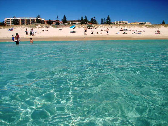 Scarborough Beach - Image courtesy of Perthite / Wikimedia Commons
