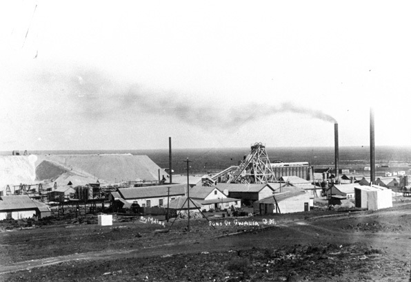 The Sons of Gwalia goldmine duing its heyday. Image courtesy of Wikimedia Commons