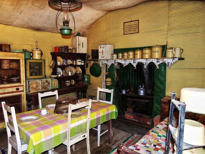 tailem town, ghost adventures, history of south australia, ghost tours, old tailem town, holiday in sa, about south australia, tourism, tailem bend, settlers cottage