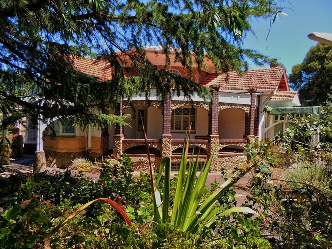 unusual houses of adelaide, strange houses, unusual houses, tree house, weird houses, heritage buildings, houses in adelaide, mansions in adelaide, adelaide apartments, amphi cosma