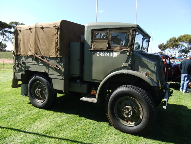 vintage vehicles, classic vehicles, veteran vehicles, cavalcade of cars, Kernewek Lowender, Kadina