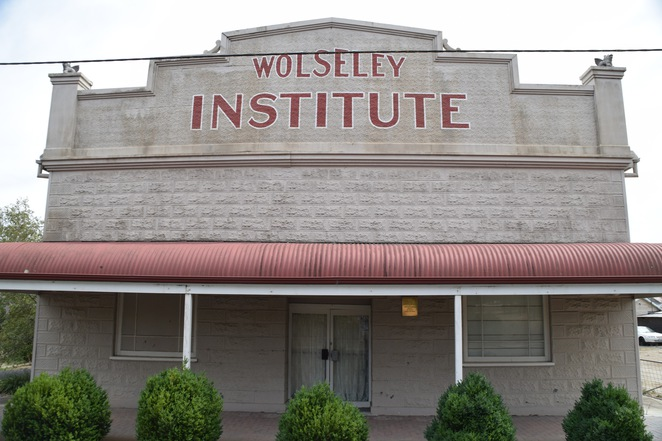 The Disputed Territory, Serviceton, Wolseley, Wolseley Hotel, Wolseley Institute