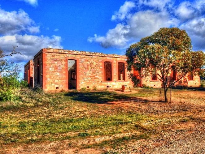 Dawson, flinders ranges, south australia, farmers, ghost town, abandoned, mid north, derelict, dawson hotel, pub with no beer