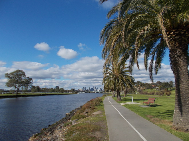 footscray park path walk run city view palms