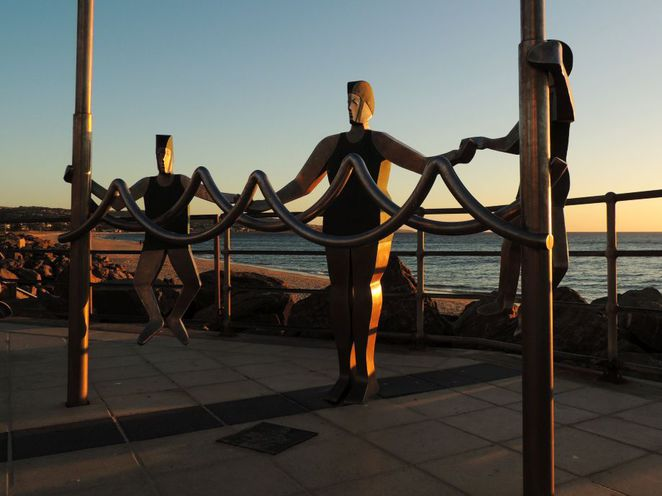 fun things to do, free things to do, fringe festival, adelaide fringe, in adelaide, free, brighton jetty sculptures