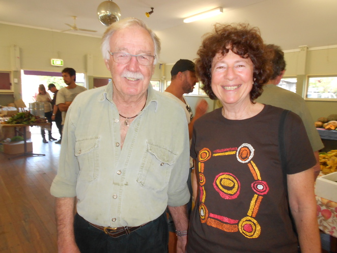 Jenny with George Negus at Bellingen markets