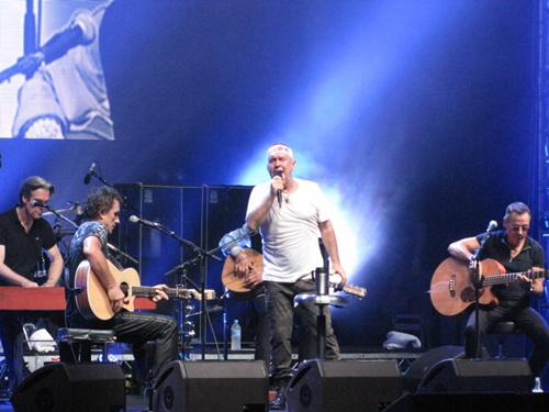 Jimmy Barnes with Cold Chisel