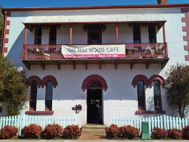 millhouse cafe, queanbeyan, canberra, cafes, things to do, historical houses, NSW, ACT, breakfast, lunch,