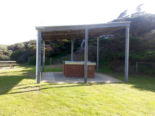 Ocean Grove, Rotunda, BBQ area, public barbecues, surf beach road, picnic area, picnic spot, electric barbecues, undercover, shelter, bbq shelter,