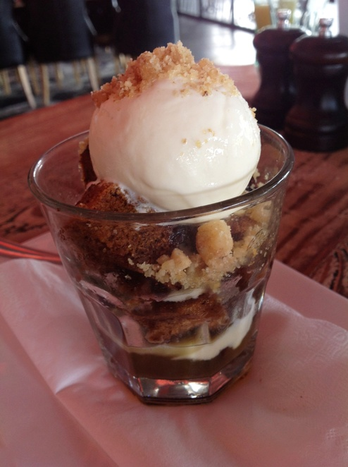 Sticky Date Sundae, The Warwick tavern