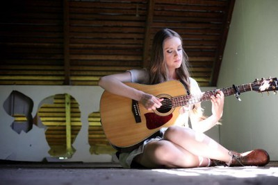 Sunshine Coast's Kelsie Rimmer, from The Voice, will perform/Image from kelsierimmer.com