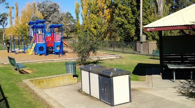 marj christian river playground, queanbeyan, NSW, parks, best playgrounds in queanbeyan, best parks, playgrounds, parks, riverside,