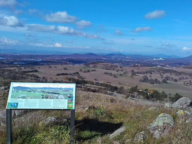 mount painter, canberra, canberra nature parks, bushwalks, walks, views, lookouts, ACT,