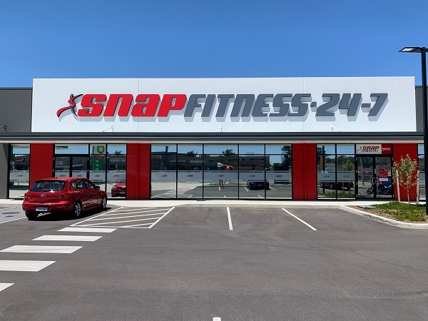 Snap Fitness Morley Grand Opening, Snap Fitness gym, new gymnasium, gym equipment, exercise, health and fitness, Sally and Tyson Smith, Amazing Race Australia, Bayswater Growers' Market, Myzone, Embleton