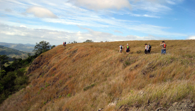 Hikers walking around the plateau on Table Top Mountain