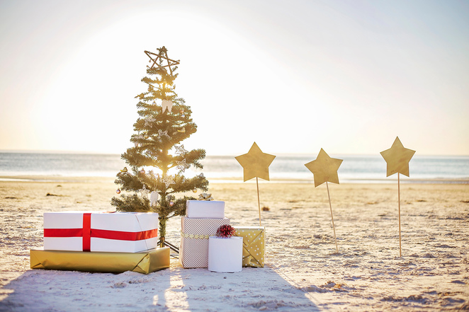 christmas family photography, Santa, beach