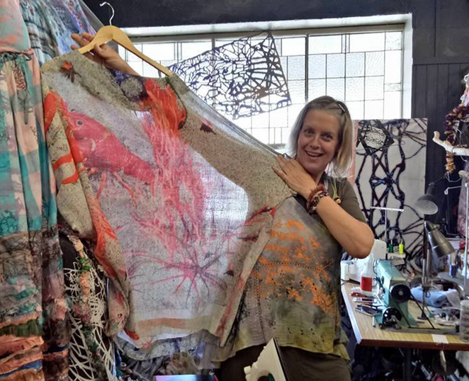 cloth, textiles, fabric, artist, bespoke, clothing, handmade bags, accessories, jewellery, hesse st, queenscliff, melbourne artist, dyed fabric, hand stitching