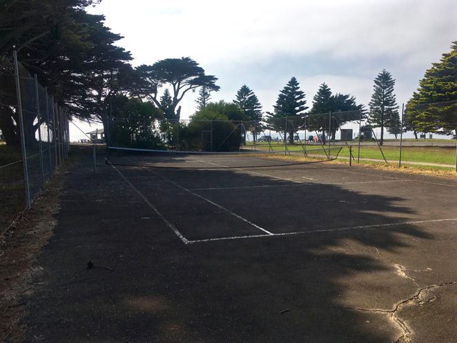 indented head, Wrathall Reserve, picnic spot, bellarine, playground, parks on the bellarine peninsula, BBQ, barbecue, public BBQ, boat ramp, jetty, tennis court, memorial, places to visit in indented head,