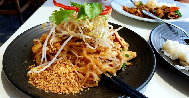 Pad Thai, Newcastle, chicken, waterfront, noodles, lunch