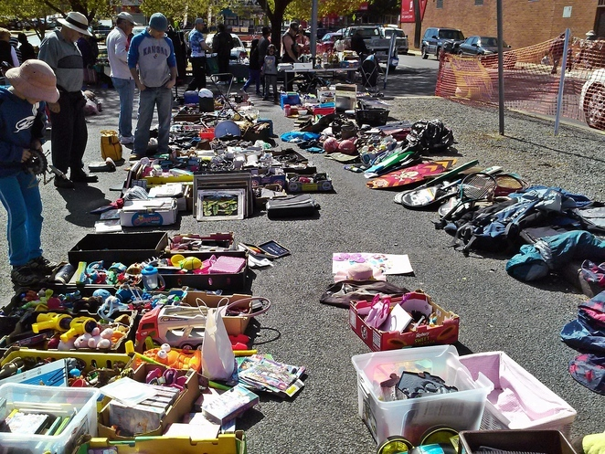 rotary trash and treasure market, canberra, weekend markets, second hand markets, ACT,