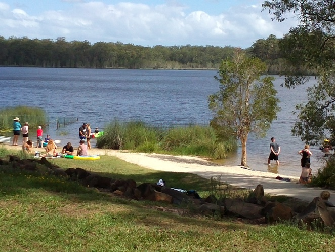 sandy beach, safe swimming, fresh water, kayaking, boating, fishing, bush walking