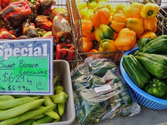 adelaide showground farmers market, farmers market, regions of south australia, fruit and vegetables, fun things to do, market stalls, adelaide showgrounds, south of Adelaide, royal show, banana capsicums