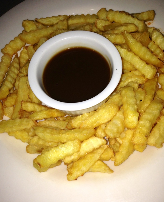 chips, salt, gravy, food, delicious, meal, pub feed, sharing, lunch, curly chips