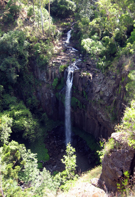 Daggs Falls Lookout is 10 metres from the car park