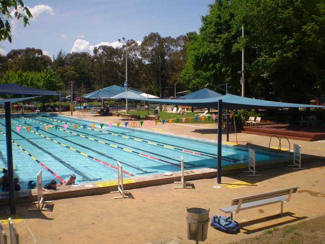 dickson pool, dickson aquatic centre, canberra, dickson, what to do in dickson, pools in canberra, summer months only, outdoor swimming pools,